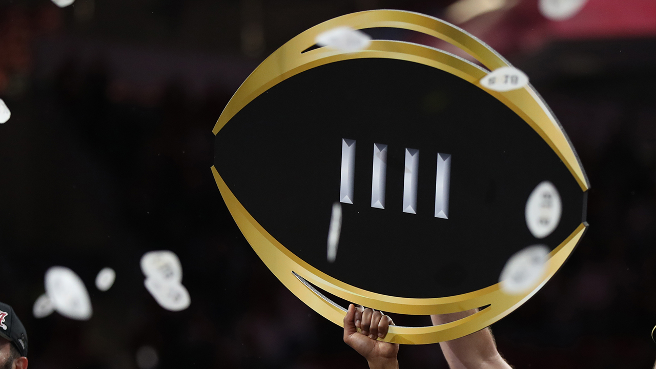 Watch College Football Playoff: Top 25 live