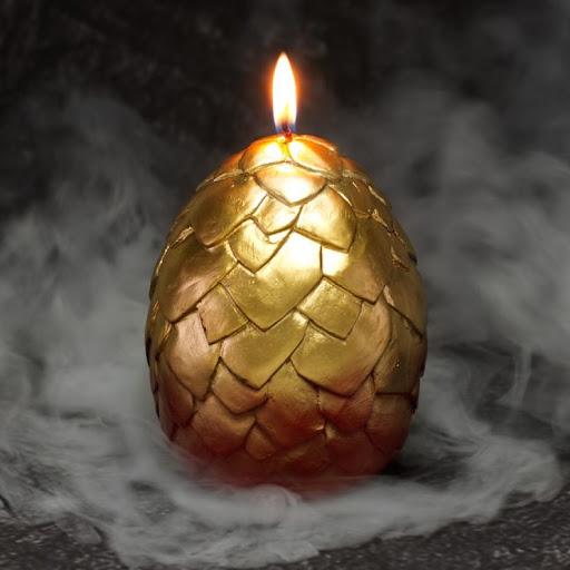 Ovos de dragões com velas permite que você se torne a mãe do seu próprio dragão!