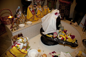 Photo: Shiva Abhishek at the Hindu Temple - Video's will be posted later.