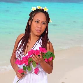 Mae Zozobrado @ Malapascua by Sergei Tokmakov - People Portraits of Women ( sexy, model, mapalascua, sea, bride, island, tropics,  )
