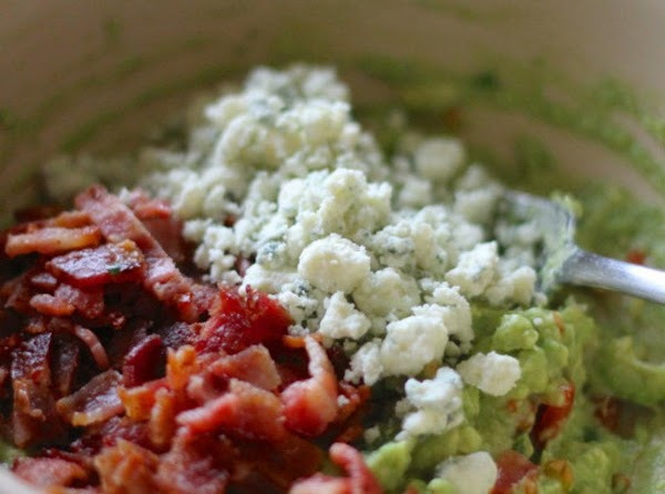 Buffalo Bacon Blue Cheese Guacamole Recipe