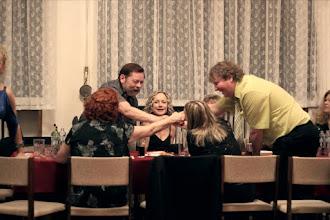 Photo: Skoro to vypadá, že tento stůl slavil úspěch, bylo tomu tak skutečně?
