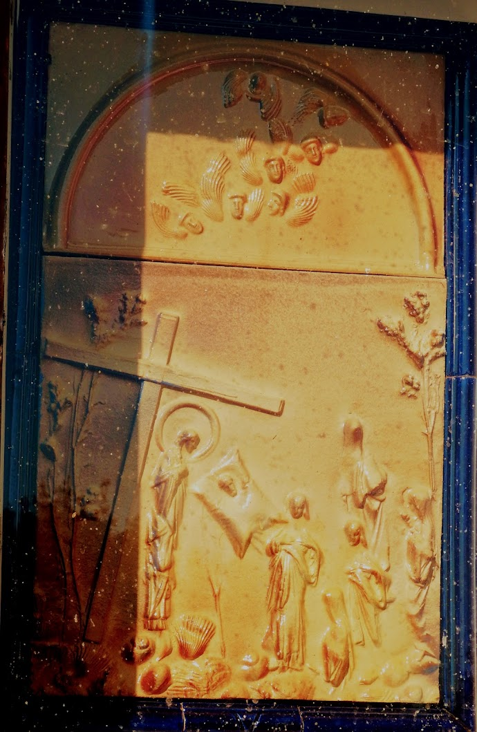 Vöröstó - kálváriakápolna a keresztúttal