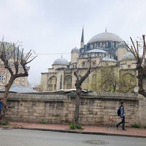 トルコ・イスタンブール歴史地区に残る「シェフザーデ・モスク」はスレイマン大帝の愛息子のためのモスク