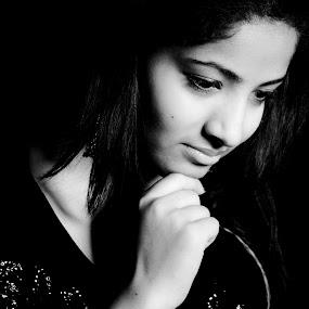 simple by Vineet Johri - People Portraits of Women