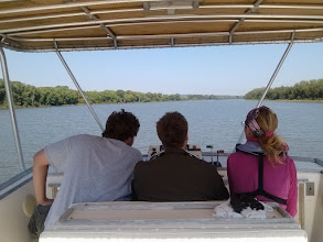 Photo: K, B and L and the Illinois River
