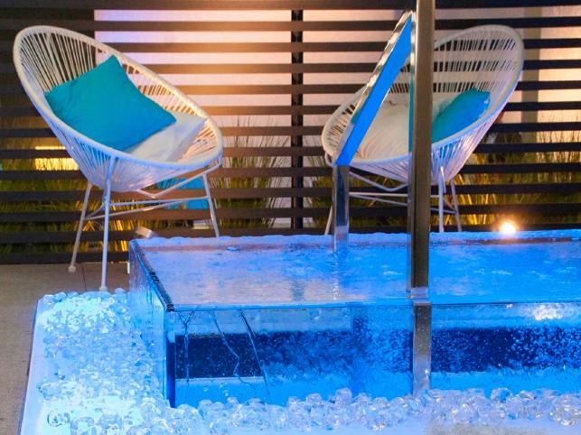Quant val una piscina transparent? Espai Piscines Graf