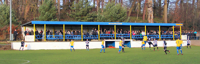 Photo: 15/02/14 v Hanwell Town (FA Vase 5th Round) 3-1AET - contributed by Gary Spooner