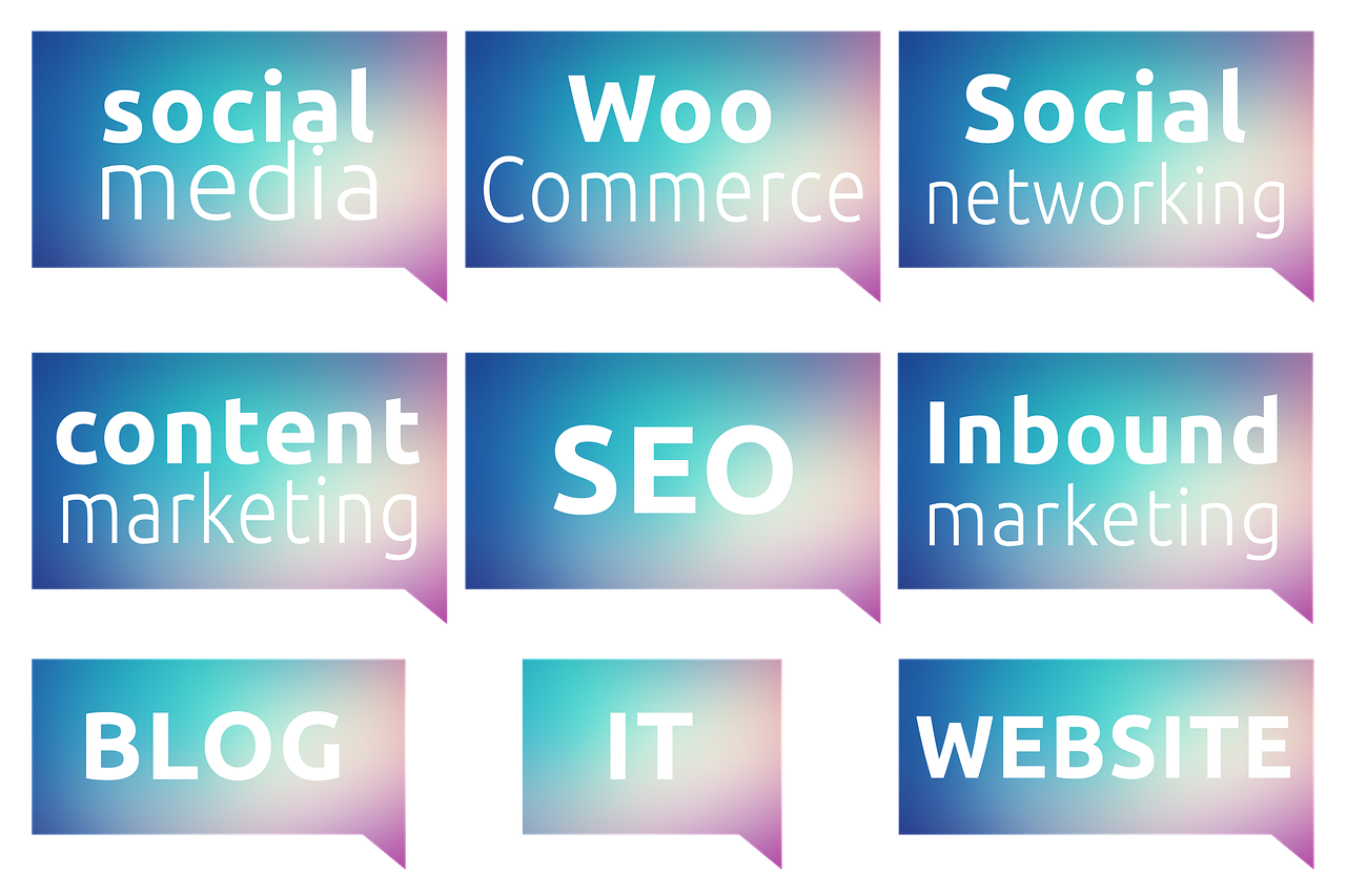 illustrations/social-media-woocommerce-improve customer relations