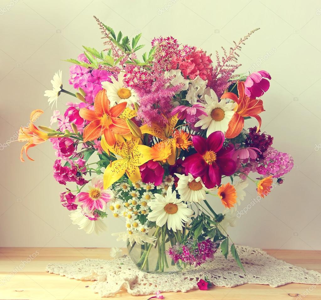 Как правильно выбрать свежие цветы