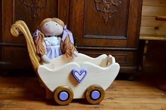 Photo: Wózeczek z drewna dla lalek