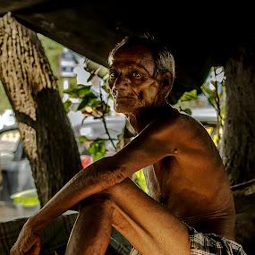 Old man by Shibasish Saha - People Portraits of Men ( oldman, men, senior citizen, people )