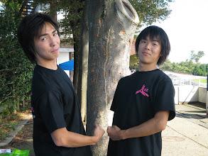 Photo: 戦った二人に友情が芽生えるのはお決まりのパターン。