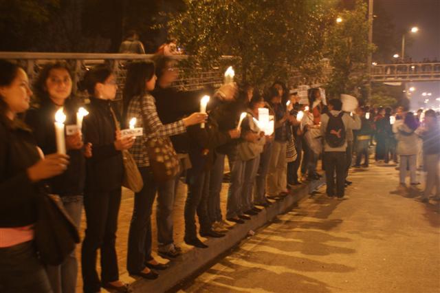 Foto: Abrazo colectivo a la U Nacional/ Foto: Dioscorides