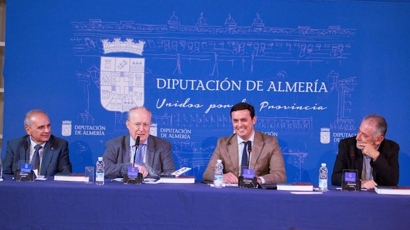 Imagen de la presentación del primer volumen de una colección histórica para la provincia de Almería.
