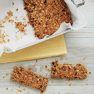 Chocolatey Oat-and-Nut Breakfast Bars