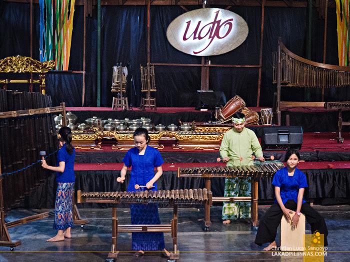 Saung Angklung Udjo Bandung Indonesia