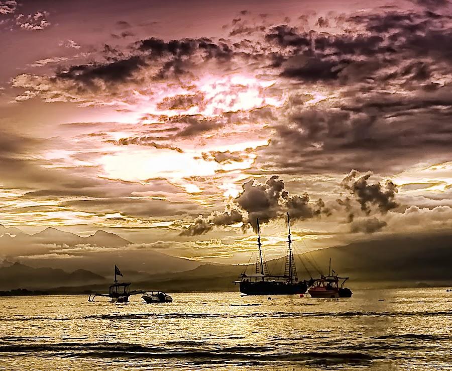morning ....  by Yudha Prastama - Landscapes Weather ( indonesia, bengsin, gili trawangan, lombok, sunrise, morning )