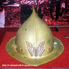 Photo: Helm tentara Hindia Belanda. Koleksi : UPTD Museum Negeri Propinsi Sulawesi Utara di Manado. http://nurkasim49.blogspot.com/
