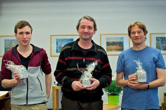 Photo: Die Sieger: Rudi Verhagen (4d/Enschede) vor Bernd Radmacher (4d/Meerbusch) und Jonas Welticke (4d/Bonn).  Jonas hat zusätzlich noch den Preis für das schönsteTesuji gewonnen.