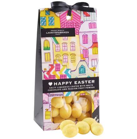 ❤ Happy Easter - saltlakrits dragerad i vit choklad med smak av passionsfrukt - Lakritsfabriken Ramlösa