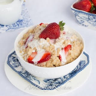 How to make perfect Strawberries and Cream Oatmeal.