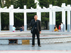 Photo: warrenzh's works: hanging out with visiting dad in summer dusk in a mini-park near mom's house, and snapshots.