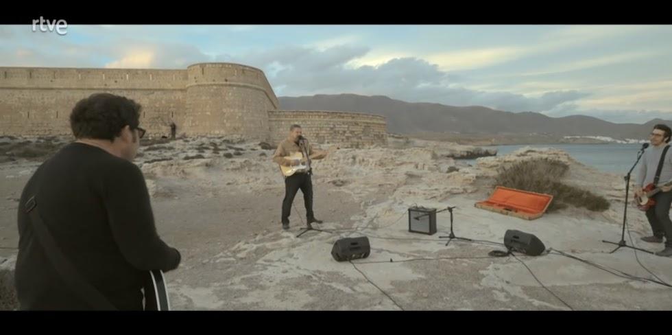 En el Castillo de San Felipe de Los Escullos, Diego Cruz y Los Summers.
