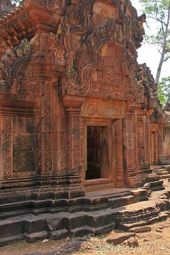 Бантеа Срей, дальние храмы Ангкора