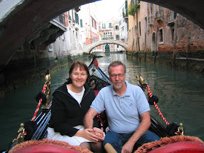 """Photo: Gondolissa - yksi Venetsian """"pakollisista"""" ohjelmanumeroista"""