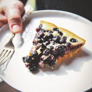 5 Ingredient Blueberry Skillet Dump Cake.