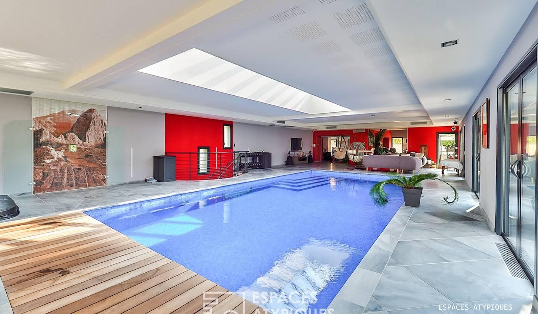 Maison avec piscine et terrasse Corbelin