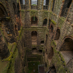 Rochester castle by Yordan Mihov - Buildings & Architecture Decaying & Abandoned ( uk, england, castillo, castle, anglia, rochester )