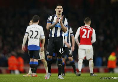 Aleksandar Mitrovic was even het leer kwijt tijdens Arsenal-Newcastle United