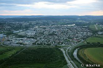 Photo: Lillestrøm rett før landing på Kjeller klokken kvart på ti. Kjeller helt til høyre på bildet.
