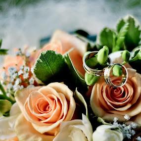 bridal bouquet by Cristi Vescan - Wedding Details ( bridal bouquet )