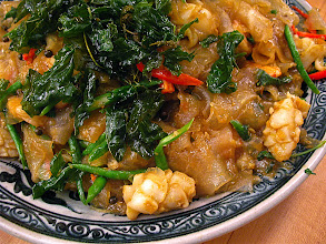 Photo: pad kee mao with cuttlefish