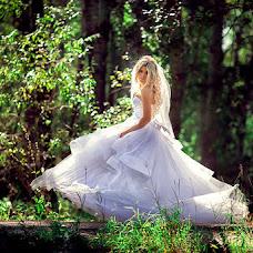 Wedding photographer Natalya Vyalkova (vostokdance). Photo of 21.09.2013