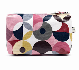 Spot Deconstruct Classic Small Wash Bag