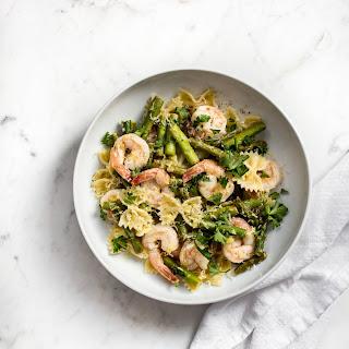 Healthy Shrimp and Asparagus Pasta Recipe.
