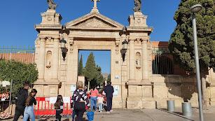 Entrada del cementerio de Almería capital.