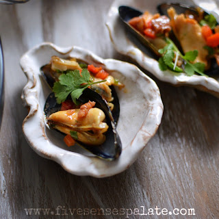 Mussels with Chorizo and Sweet Peppers + Oscars Night Appetizers.
