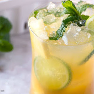 Pineapple Fizz Cocktail.
