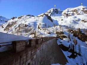 Photo: Panorama sul M.Cabianca 2601m.-il canale Nord-M.Valrossa 2550m.