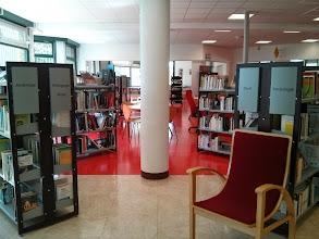 Photo: Médiathèque Anatole France (Trappes) Espace adulte