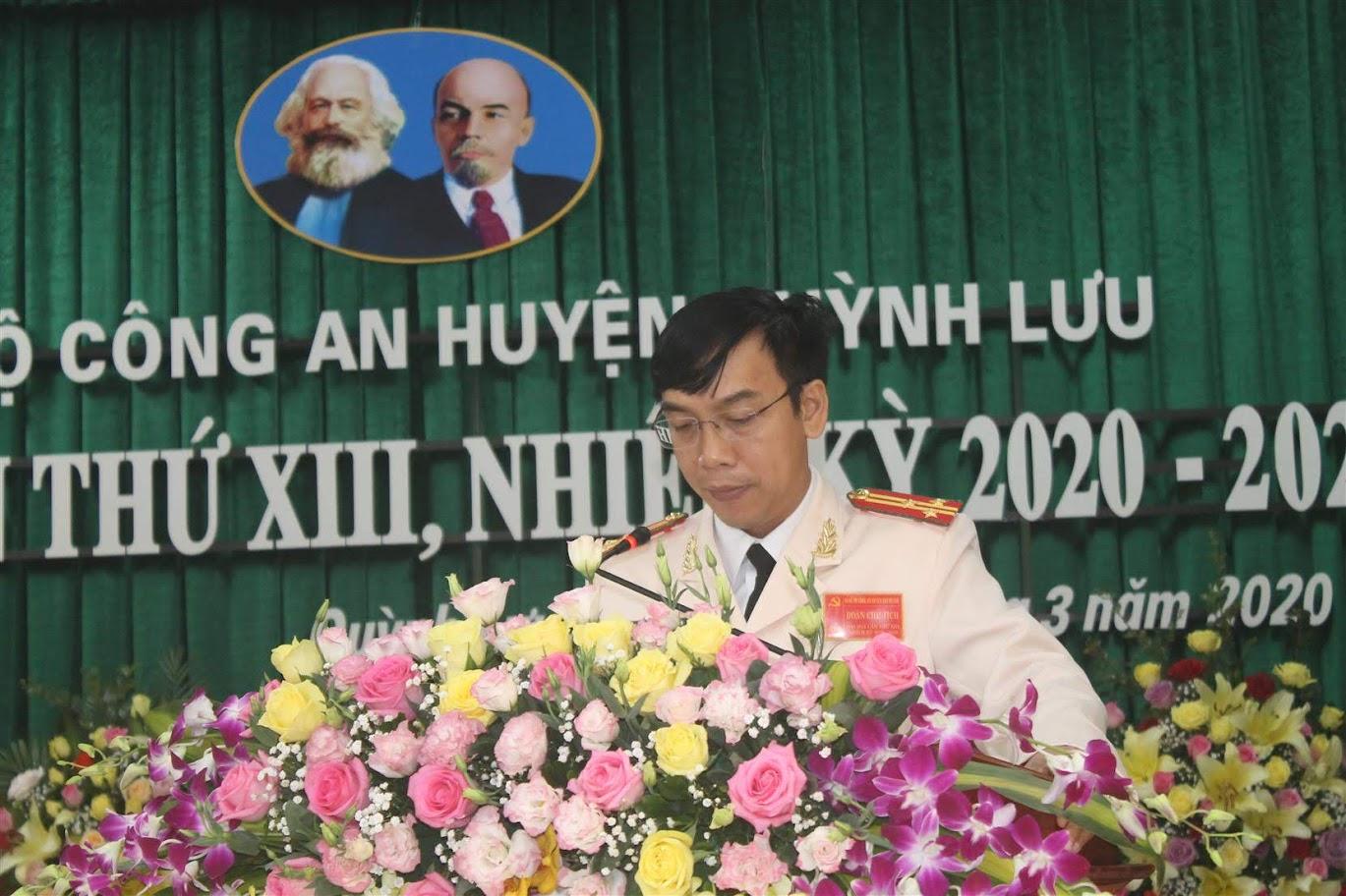 Thượng tá Tạ Đình Tuấn, Bí thư Đảng ủy, Trưởng Công an huyện phát biểu tại Đại hội
