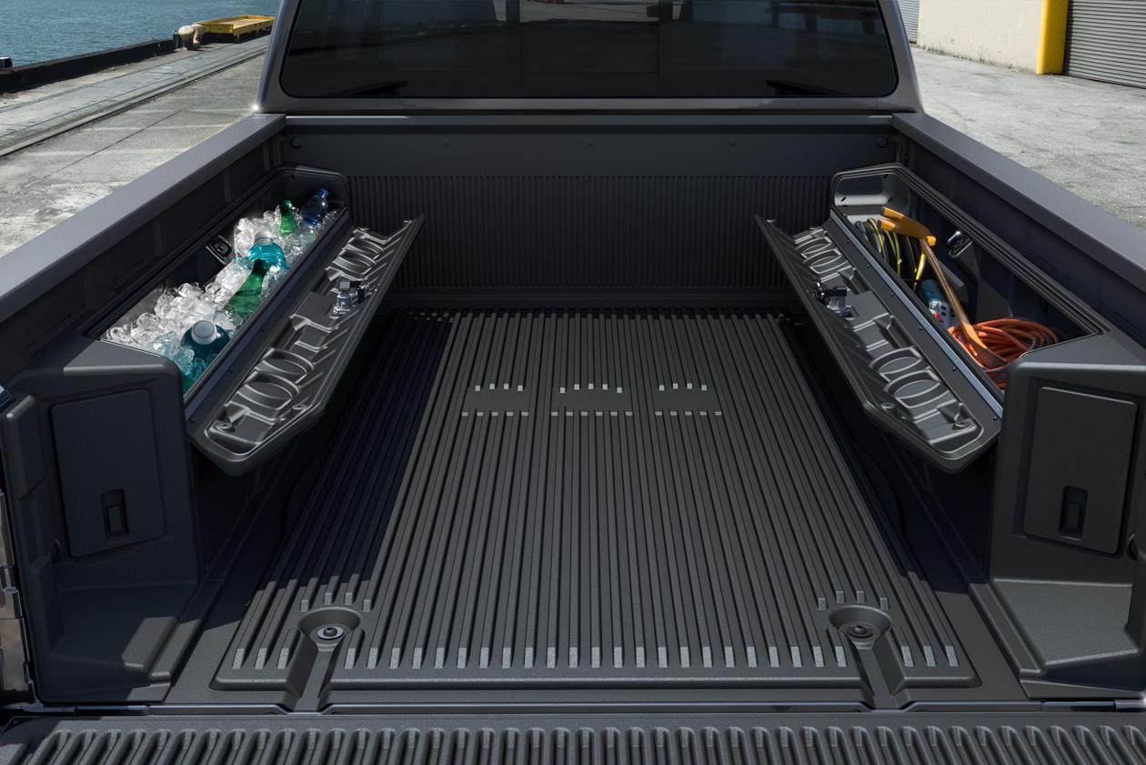 Truck Accessories1.jpg