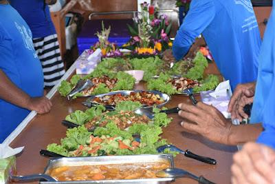 Enjoy a healthy dinner onboard