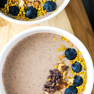 Chocolate Almond Smoothie Bowl