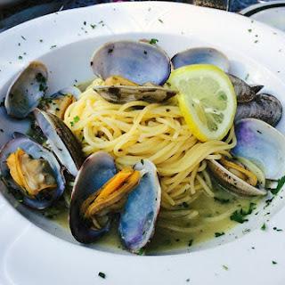 Garlic Chilli Mussels Pasta.